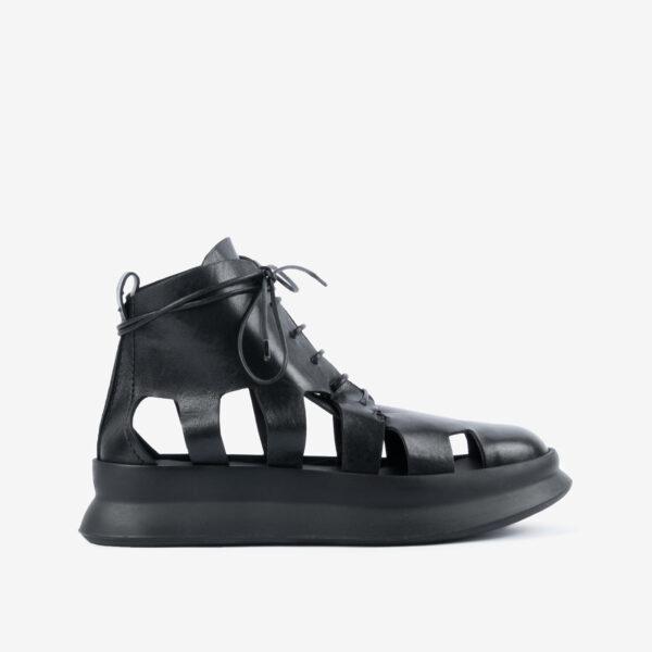 Sneaker-stivaletto-in-pelle-nera-design-a-ragnetto-ernesto-dolani
