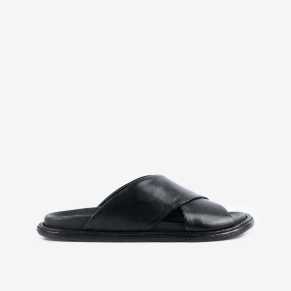 Sandalo-in-pelle-nera-con-fasce-incrociate-ernesto-dolani